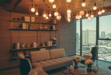 Hvordan indretter man stuen hyggeligt?